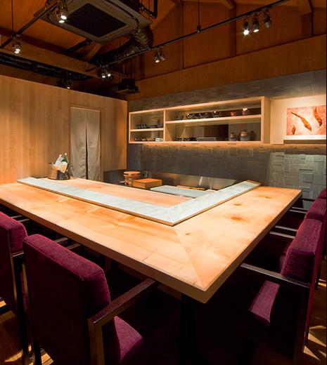 神戸北野 双 | 2Fの寿司カウンター・個室
